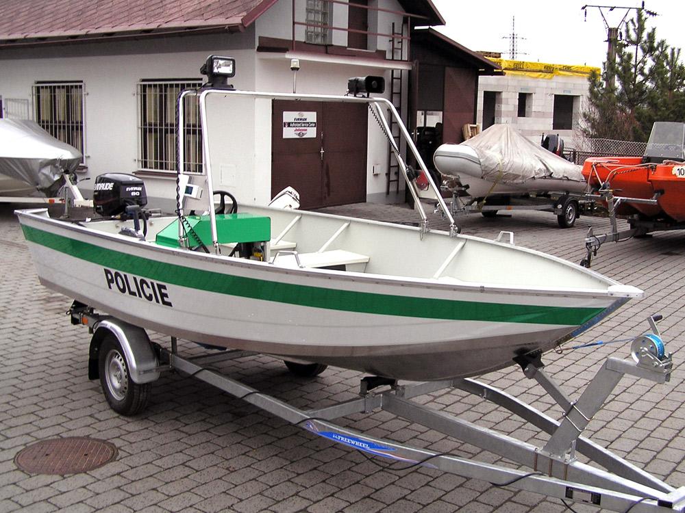 Modell Marine 17H als Polizeiboot