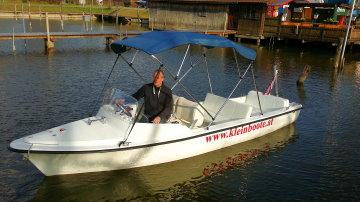 Kleinboote Elektroboot Salzburg-Classic-550 mit 3 Sitzreihen und großer Liegegfläche! Super preisgünstig.